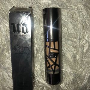 🖤🖤Urban Decay All Nighter 4.5. 🖤🖤